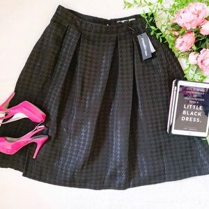 Karl Lagerfeld Paris houndstooth classic skirt
